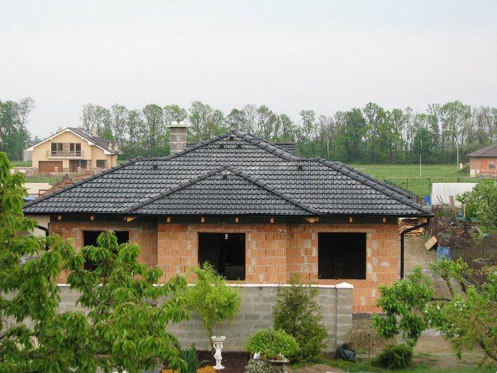 Alfa 166 aneb naše trápenie 8-) - pohlad na strechu z dialky