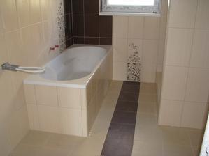 vana a sprchovy v druhej kupelke