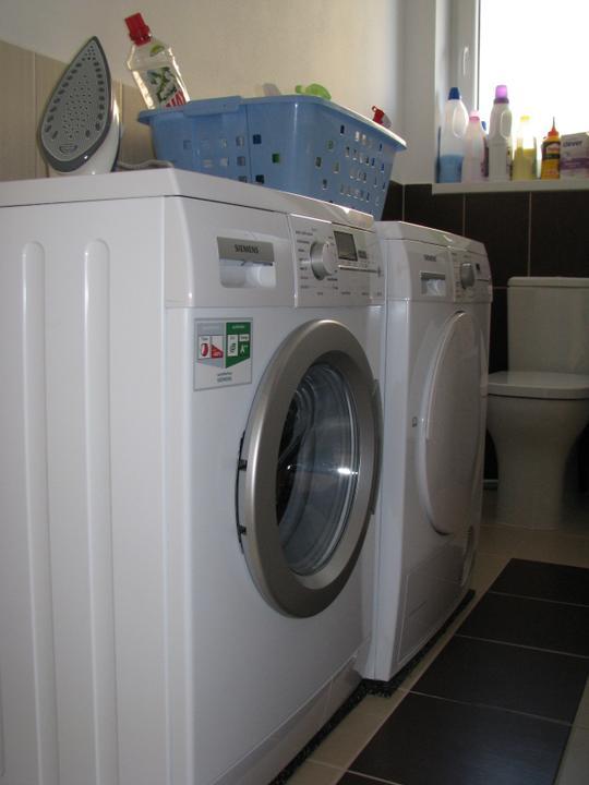 Alfa 166 aneb naše trápenie 8-) - konečne práčovňa