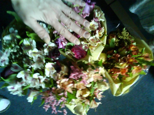 Peťo a Lucia - Moje zásnubné kytice boli 4 obrovské ....