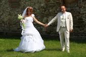 Svadobné šaty s vlečkou 36-38 - šnúrovačka, 36