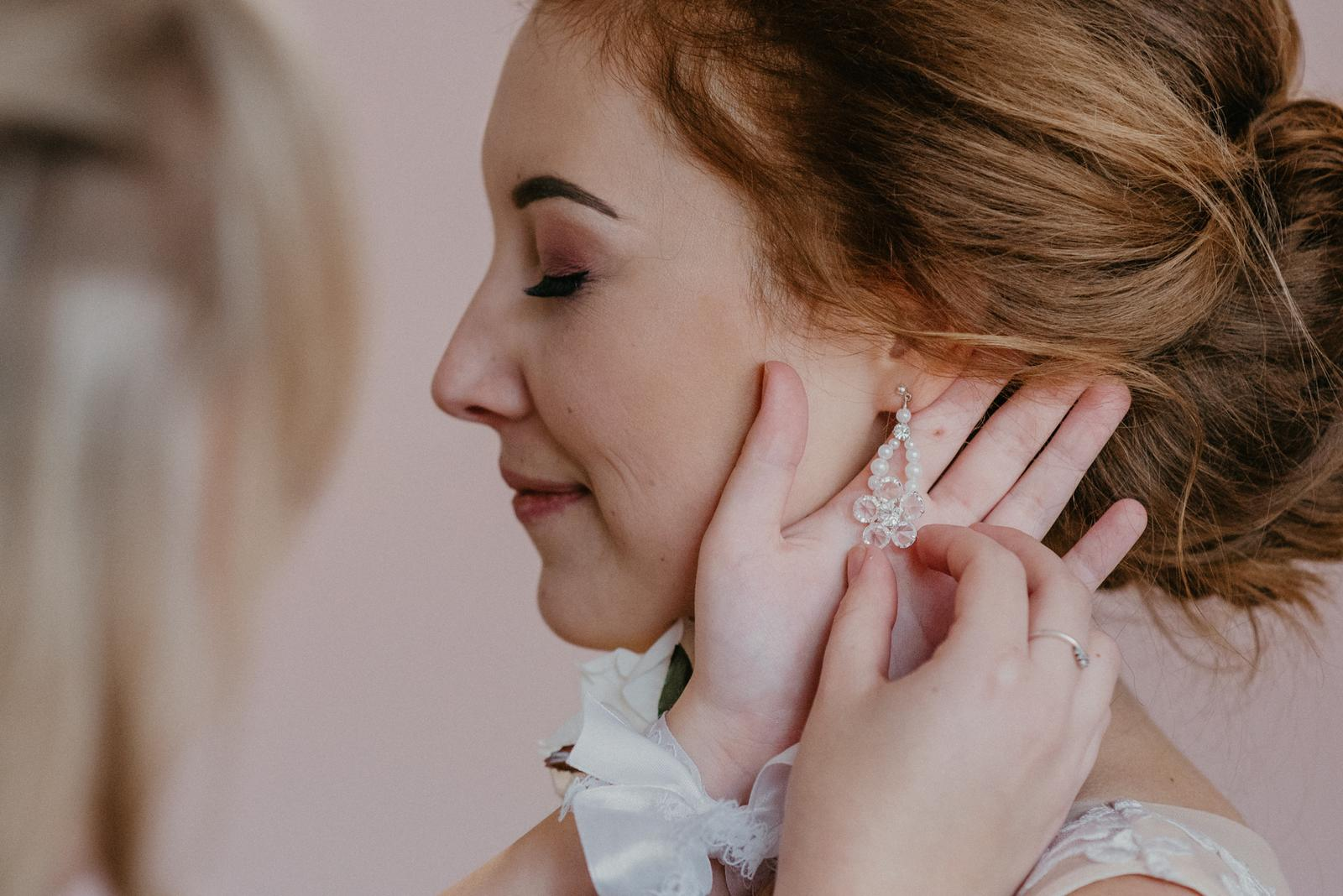Trblietave svadobné šaty - Obrázok č. 1
