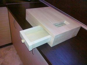 kuchynské denko so šuflíkom na odpadky :)