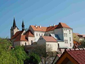 Zámek Chvaly v Praze Horních Počernicích
