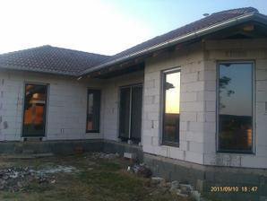 už máme aj okná :-)