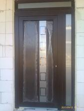 naše krásne dvere..ešte madlo chýba..