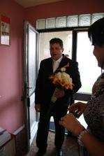 ženich přichází pro nevěstu