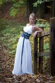 Hedvábné svatební šaty, 34