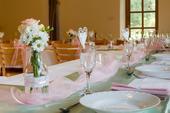 Růžová organza na svatební stůl,