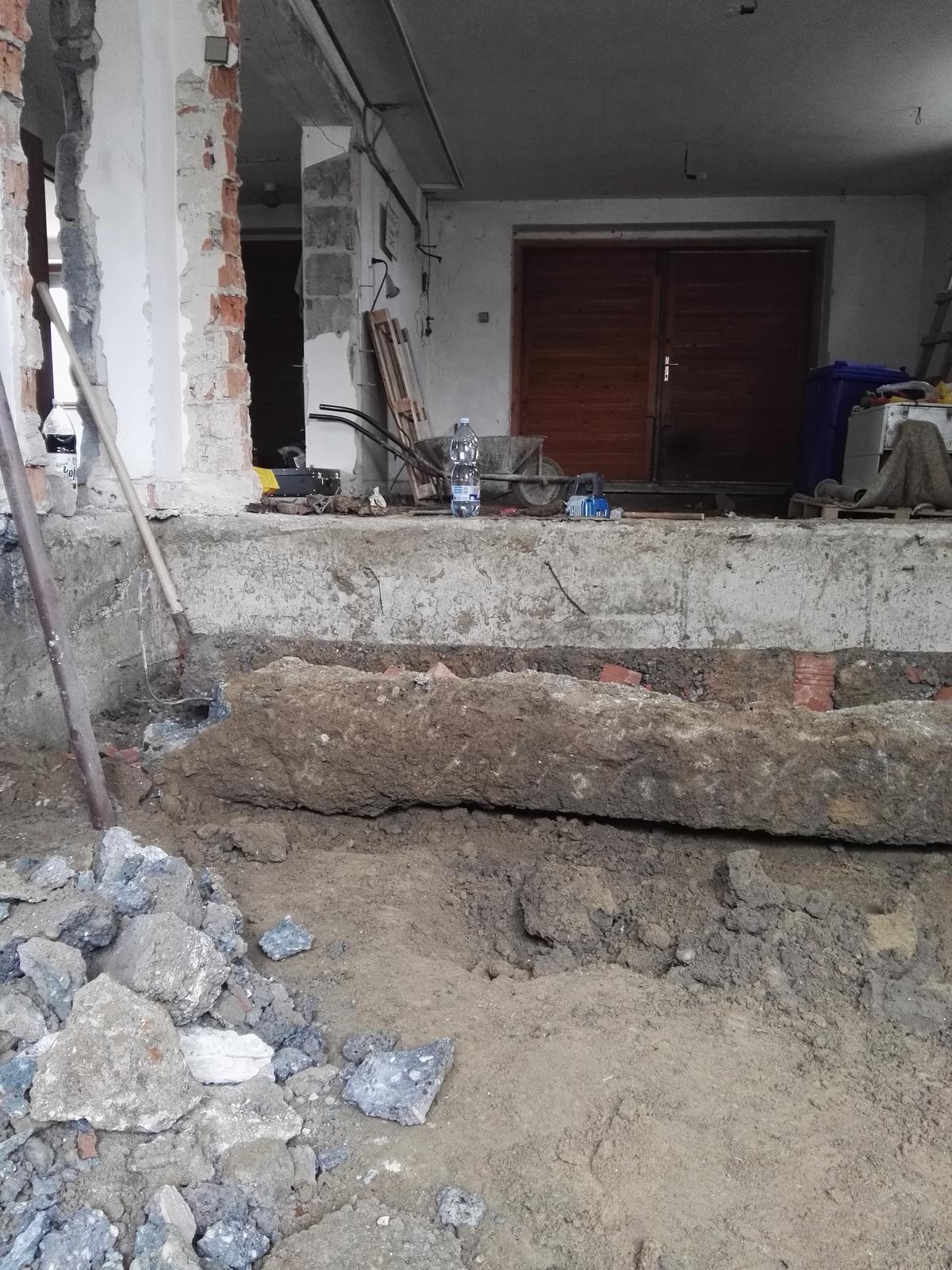 Rekonstrukcia RD - Zakladovy pas numero uno