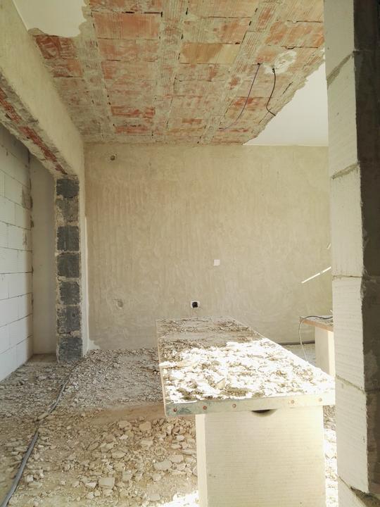 Po problémoch s technikou dobojovaná ďalšia izba.. 3/4 poschodia za nami :)