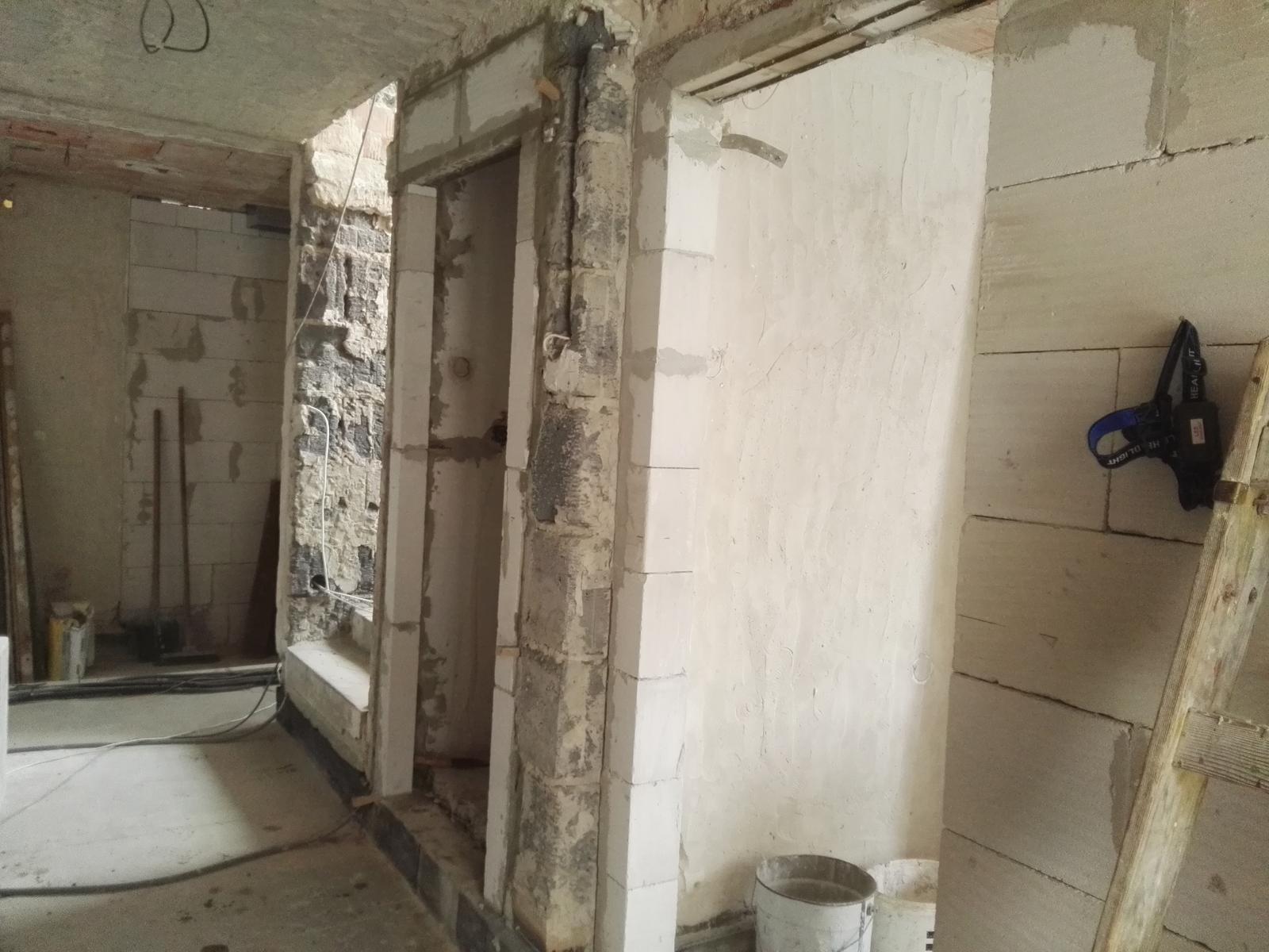 Rekonstrukcia RD - Dokoncene vysky a nosy na dvere ktore padli za vlast a lepsie zajtrajsky.