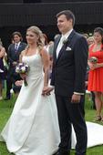smetanové svatební šaty s vlečkou, 40