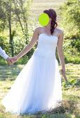 Ručně šité svatební šaty, 42