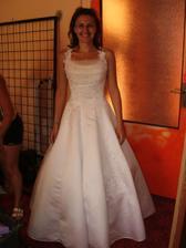 šaty č. 4 - vypadají moc moc hezky,že?