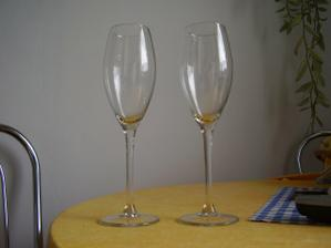 skleničky jsou konečně doma...teď jen vypískovat