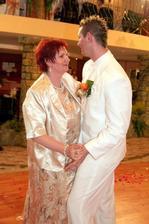 Môj úžasný manželík s mamkou....