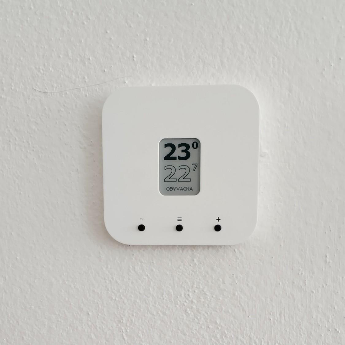 TapHome - Multi-zónový ovládač. Dom ešte nie je pripojený na NET - ovládanie teplôt, žalúzií a režimu priamo cez panel