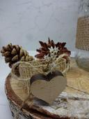 Kroužky na svatební ubrousky s dřevěnou dekorací,