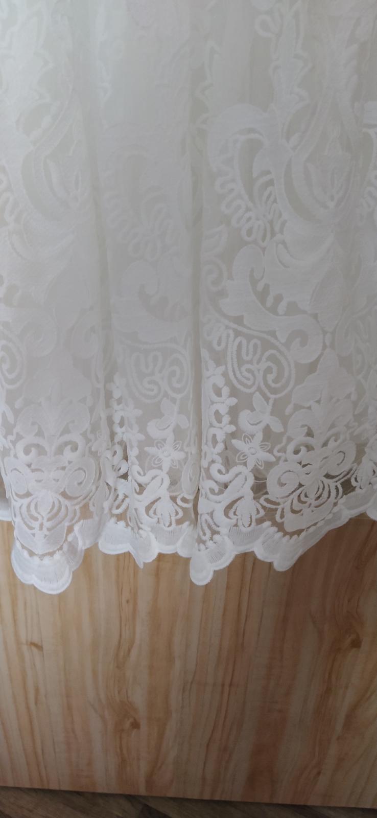 Popůlnoční nebo svatební šaty. - Obrázek č. 1