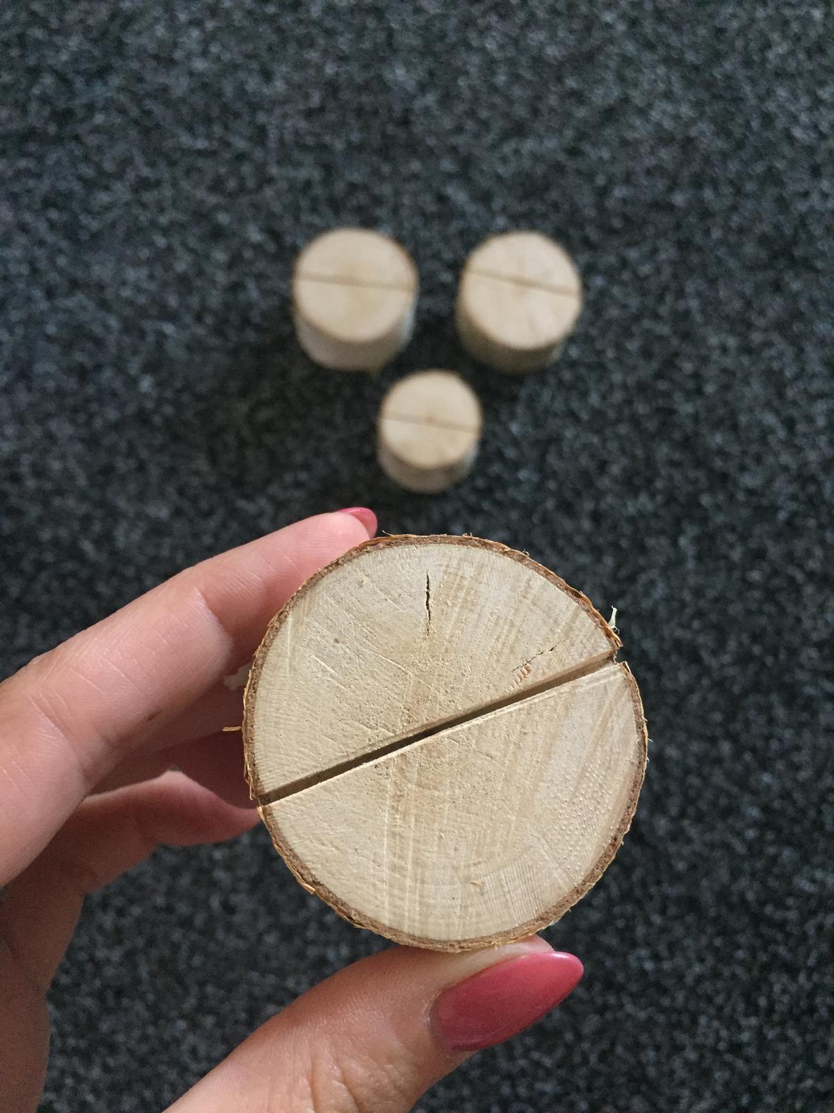 Dřevěné podstavce na jmenovky (bříza) - Obrázek č. 1