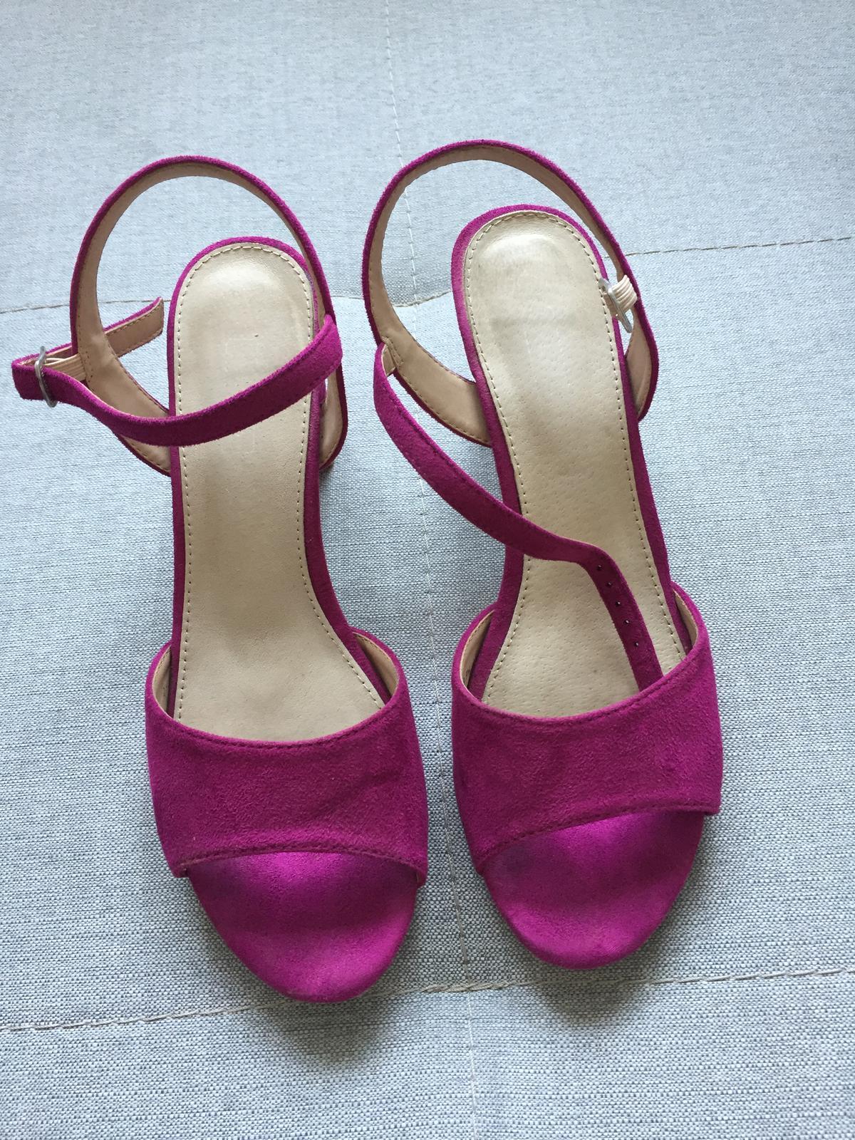Boty na podpatku - Obrázek č. 1