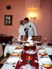svatební tabule prostřená pro naše šťastné číslo osm