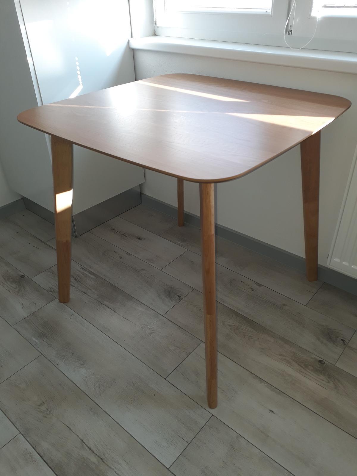 Jedálenský stôl - Obrázok č. 1