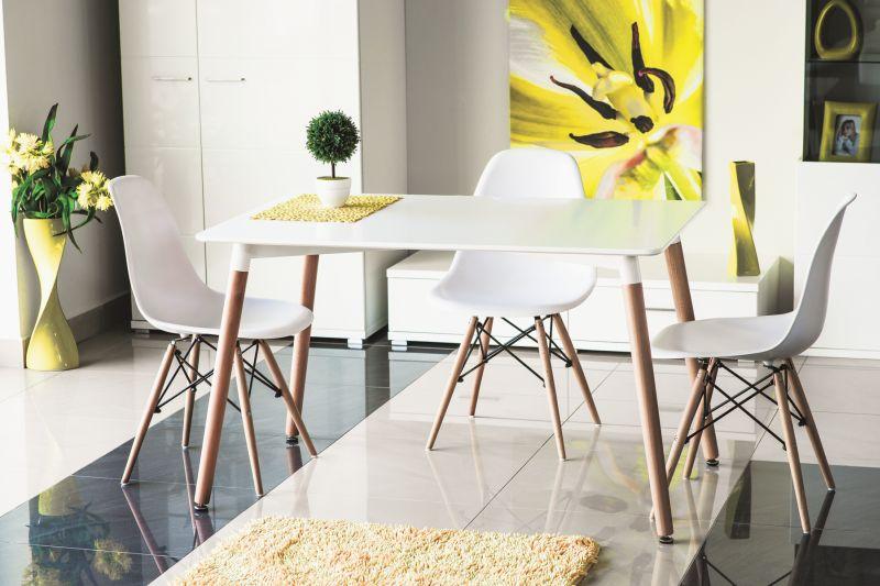 Plastové stoličky - Stôl 119 €