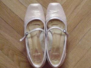 botičky na přezutí-zakoupeny u Bati