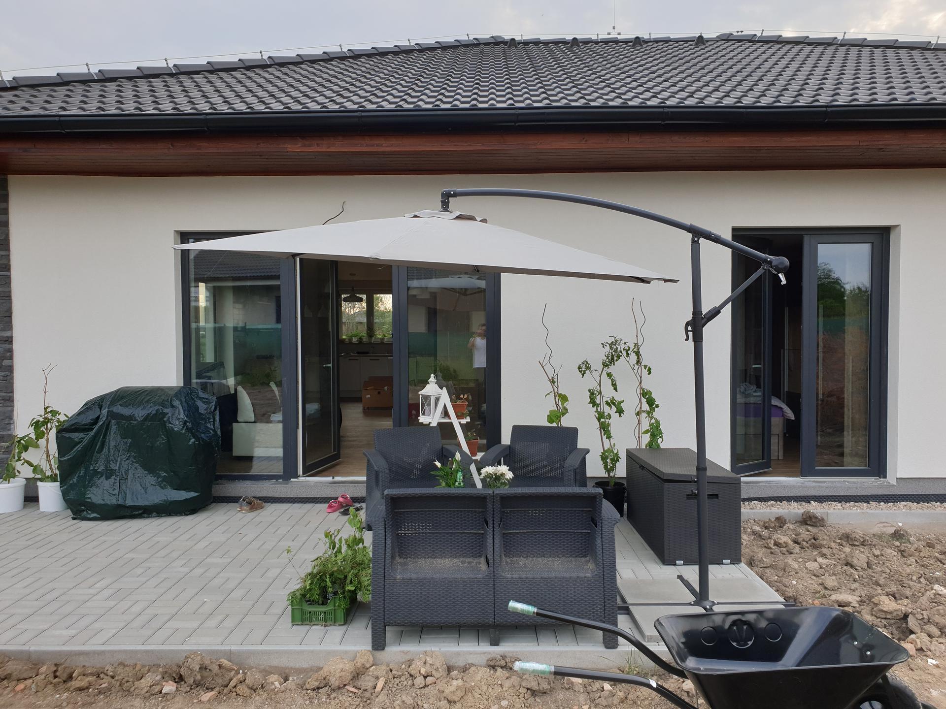 Zahrada a terasa - Obrázek č. 2