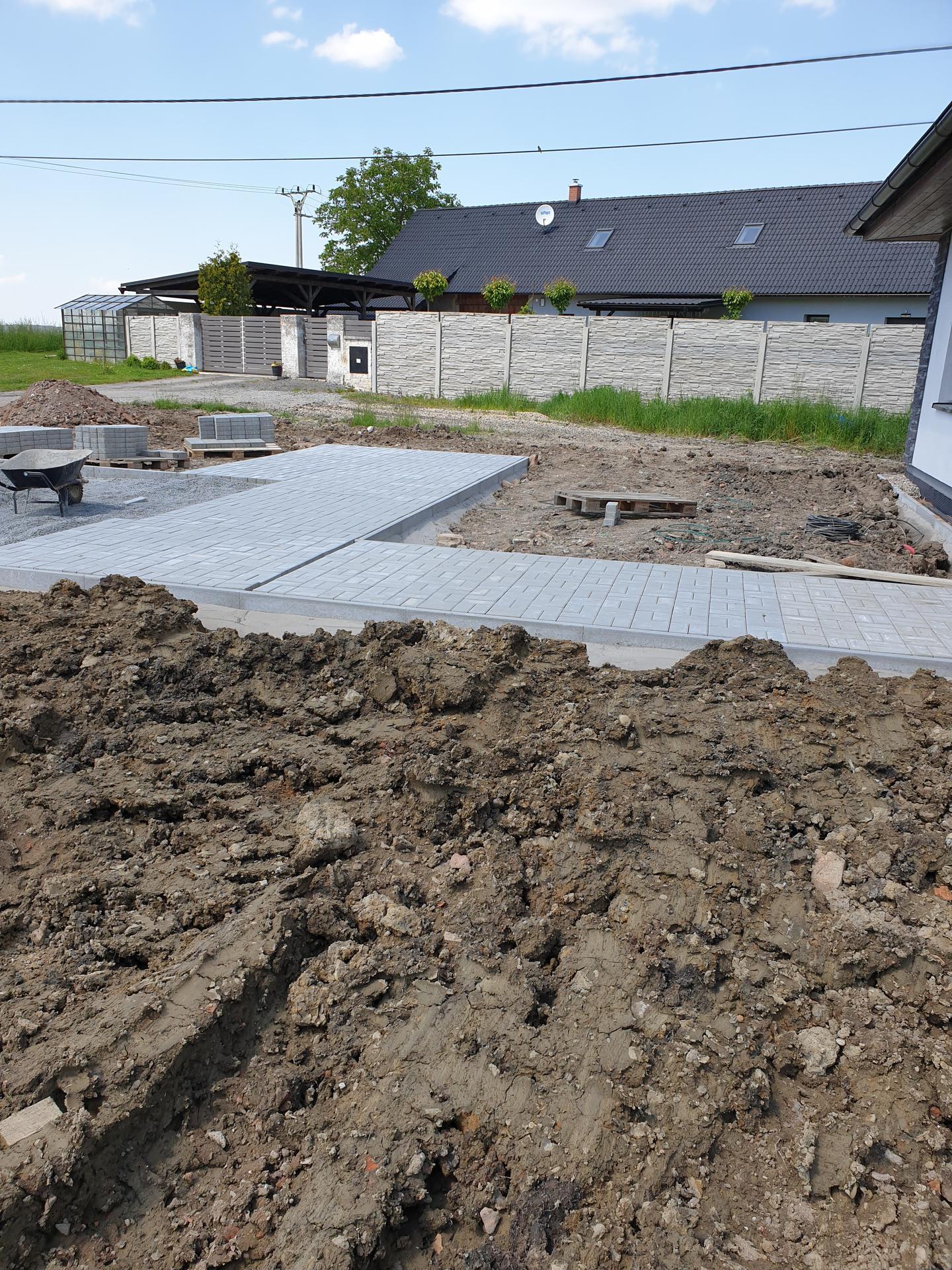 Zahrada a terasa - Obrázek č. 12