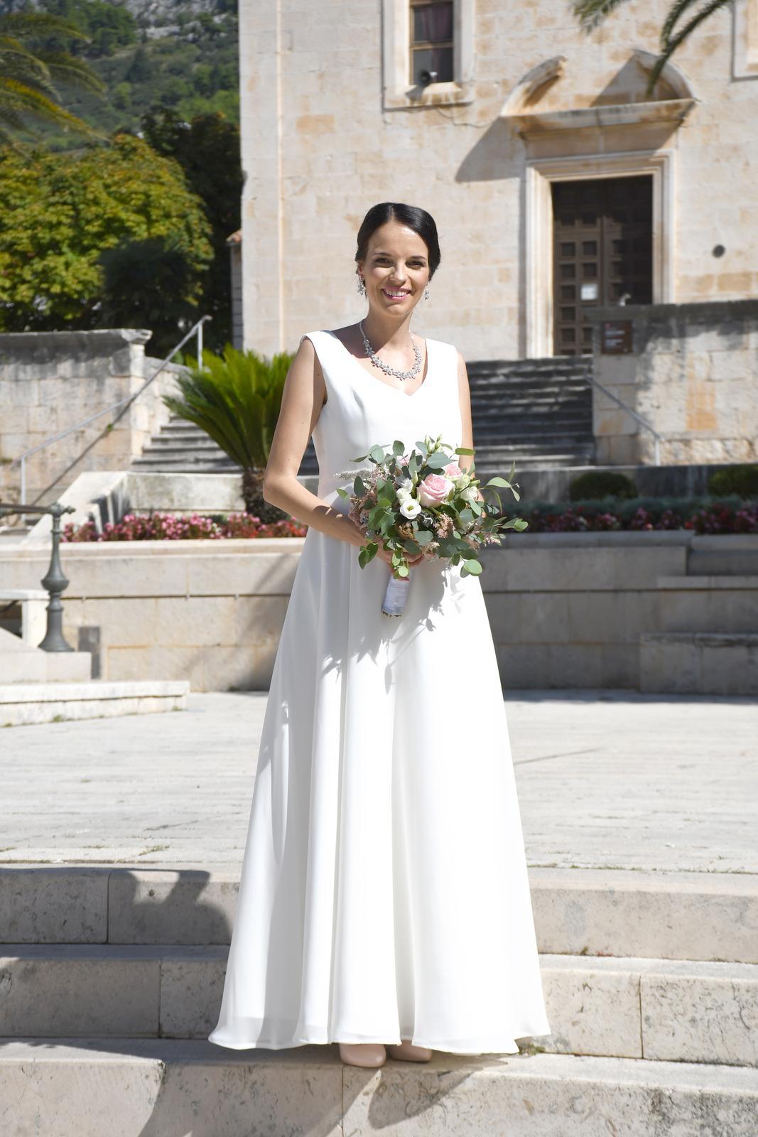 krásne svadobné šaty - Obrázok č. 1